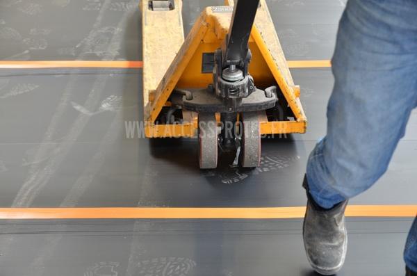 panneaux de protection antichoc pour sols et murs sur chantiers. Black Bedroom Furniture Sets. Home Design Ideas
