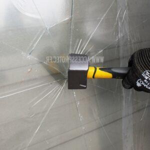 Film éclats de verre pour travaux de démolition sur chantier.